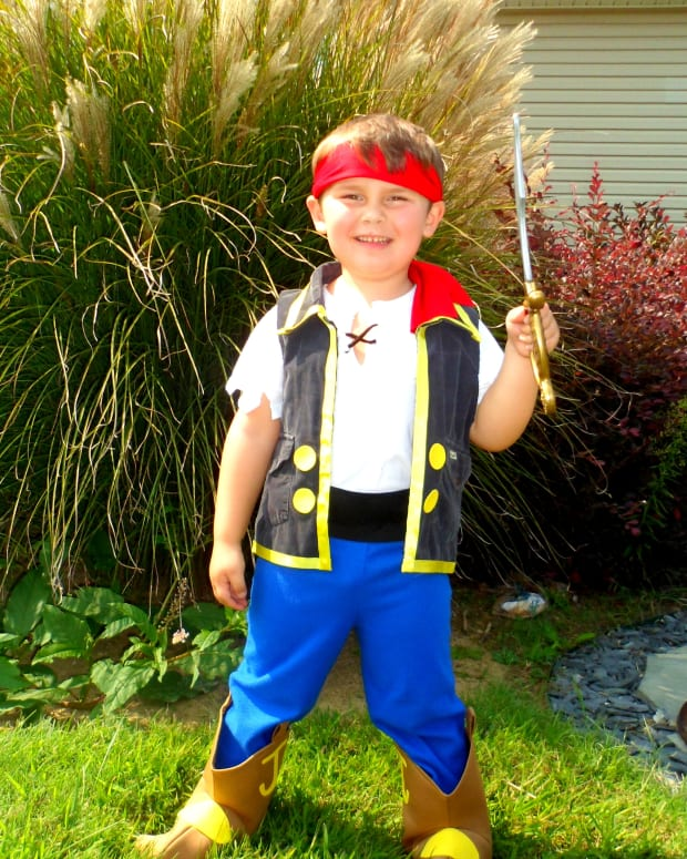 how-to-make-a-jake-and-the-never-land-pirates-costume