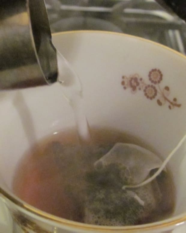 how-to-enjoy-a-hot-cup-of-traditional-black-tea