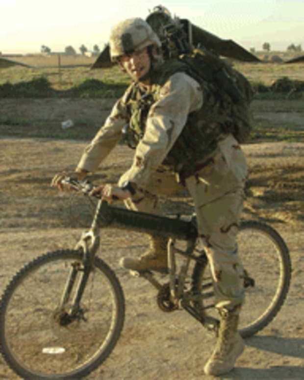 tactical-mountain-bicycles-smith-and-wessons-police-bike-and-the-montague-paratrooper