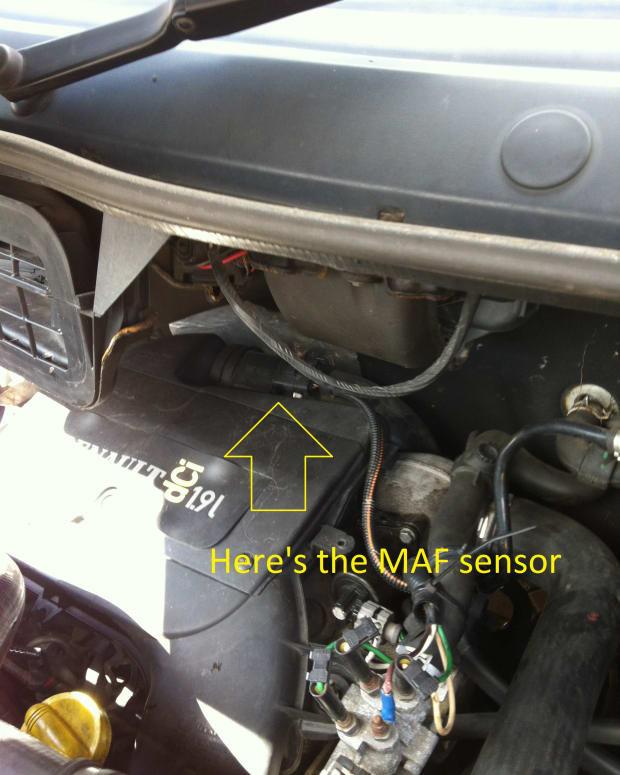 how-to-change-the-mass-airflow-sensor-maf-on-a-trafic-vivaro-primastar-van