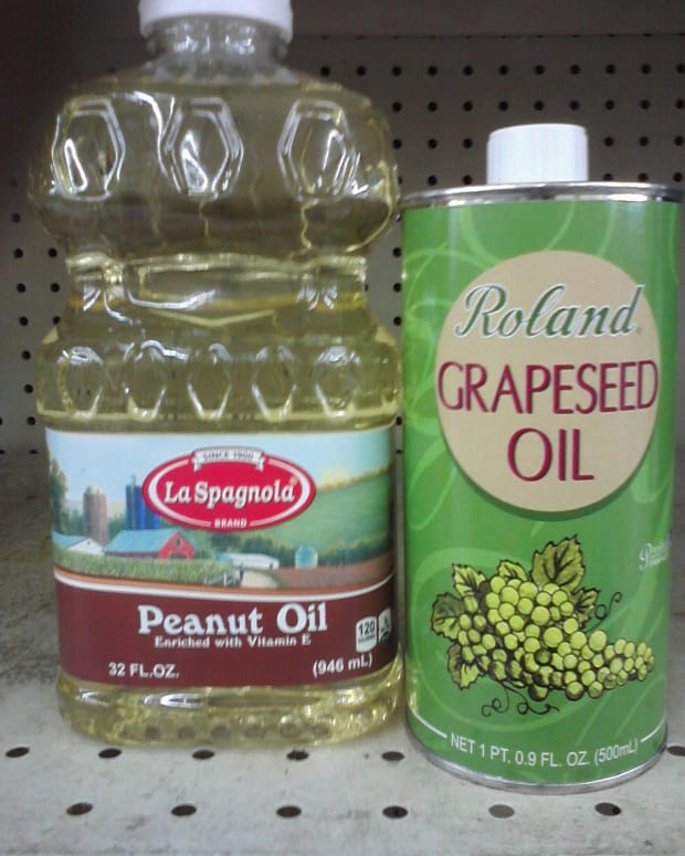 grapeseed-oil-versus-canola-oil-versus-peanut-oil-which-is-the-better-or-healthier-cooking-oil