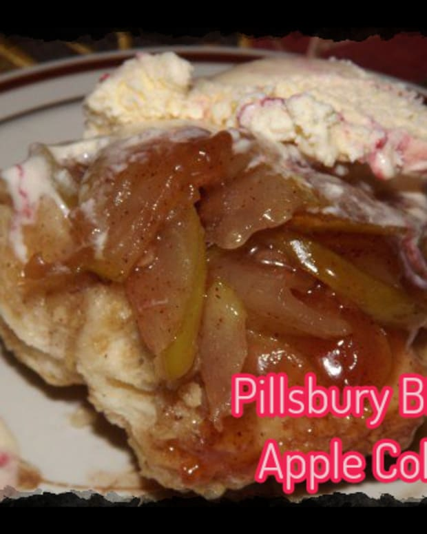 easy-apple-cobbler-with-pillsbury-biscuits