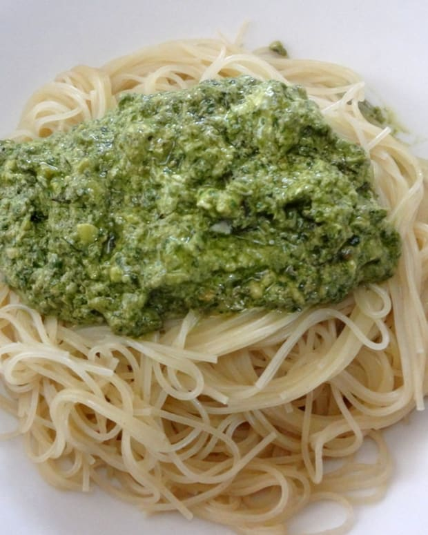 pesto-sauce-ingredients