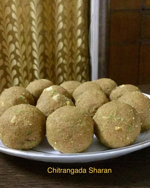 sweet-temptations-2-gram-flour-and-semolina-balls