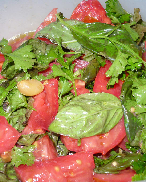 marinated-tomato-basil-salad