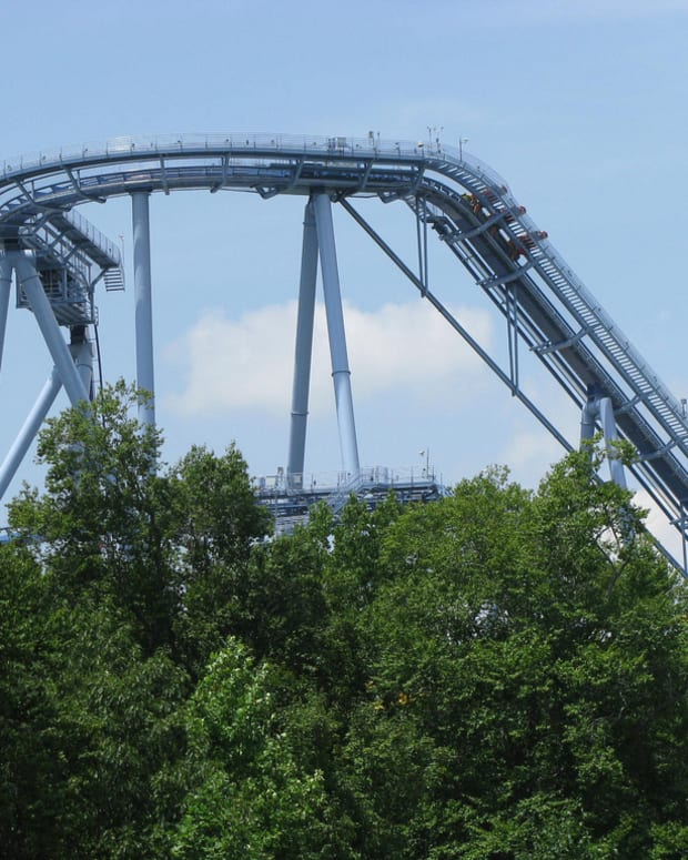 review-of-griffon-roller-coaster-at-busch-gardens-williamsburg