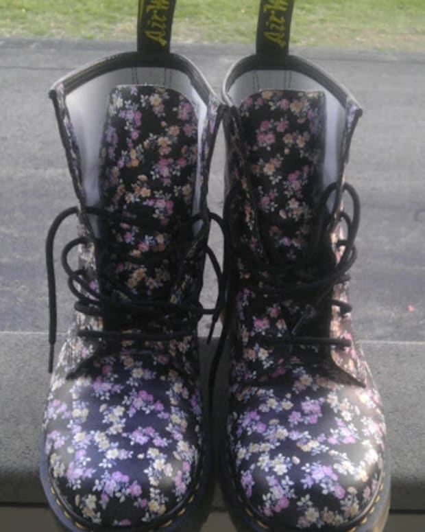 mini-tydee-doc-martens-for-women