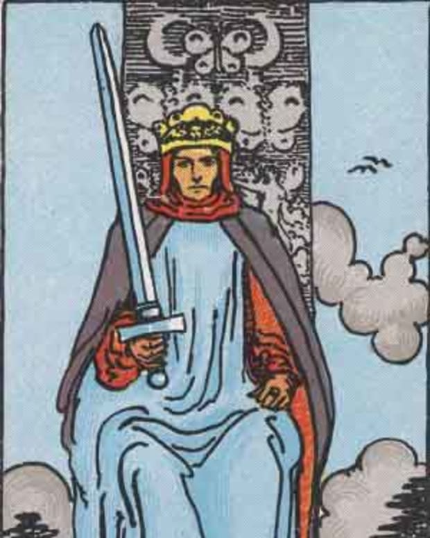court-cards-king-of-swords