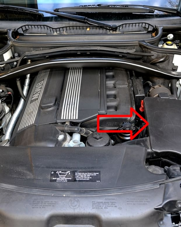 bmw-x3-engine-air-filter-change-how-to-guide