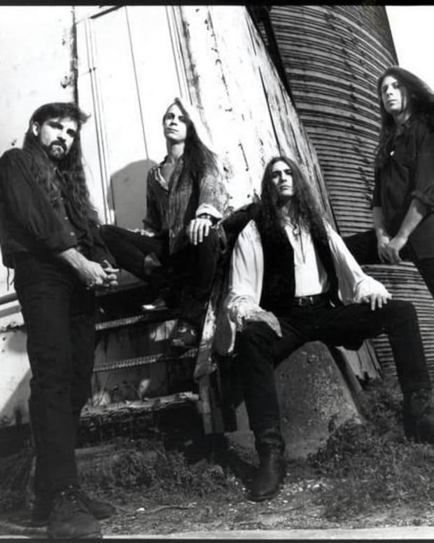 forgotten-hard-rock-albums-savatage-edge-of-thorns-1993