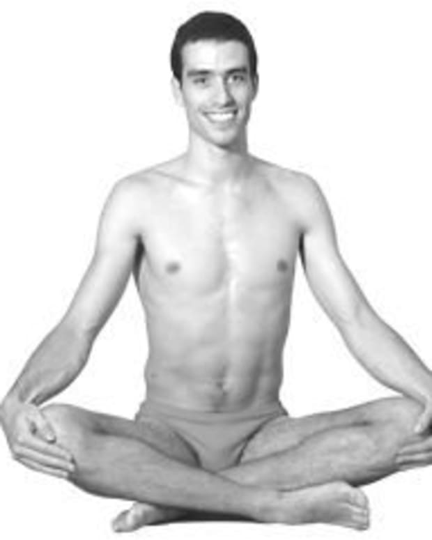 how-to-comfortably-sit-cross-legged-in-yoga
