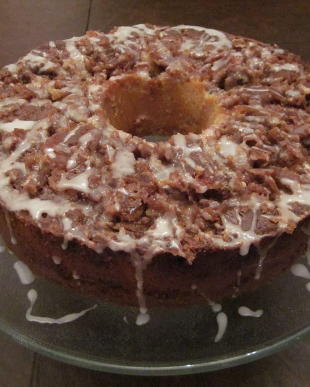 pecan-spice-holiday-coffee-cake