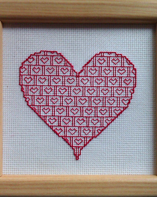 free-blackwork-valentines-heart-pattern