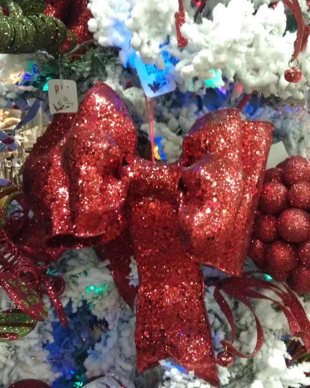 how-to-make-a-christmas-bow