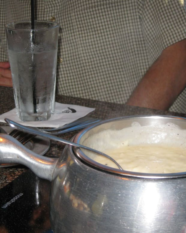 fondue-bourguignonne-at-the-melting-pot-restaurant
