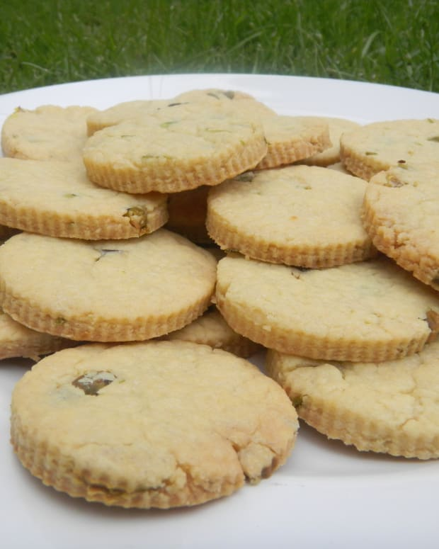 orange-pistacho-butter-biscuits
