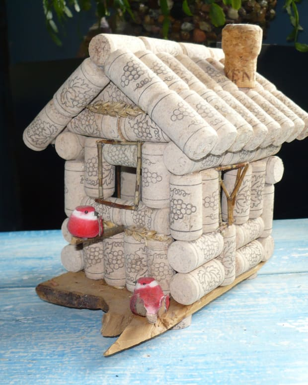wine-bottle-cork-crafts-how-to-build-a-wine-cork-birdhouse