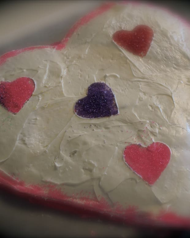 how-to-make-a-heart-shaped-cake-a-step-by-step-guide