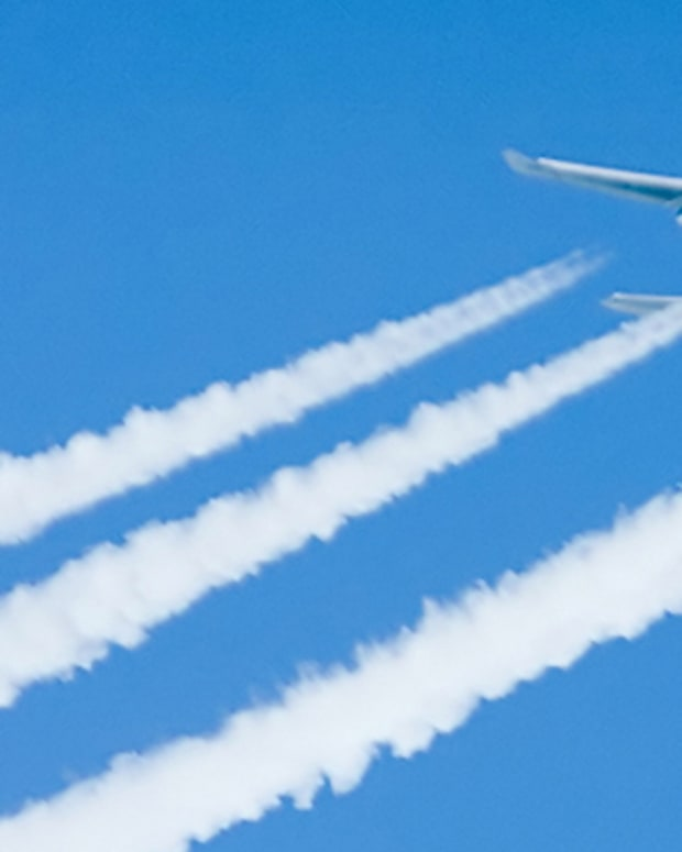what-are-contrails