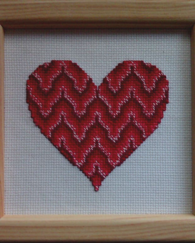 free-bargello-cross-stitch-valentines-heart-pattern