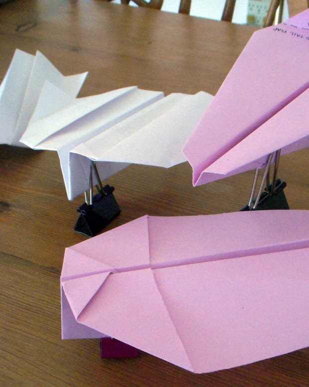 how-to-make-a-boomerang-paper-airplane