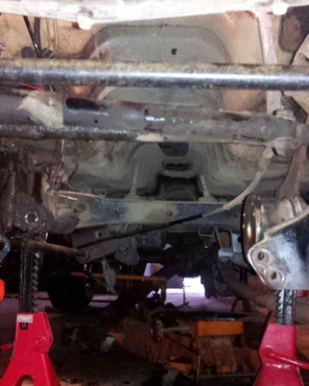 changing-the-clutch-on-a-nissandatsun-720-4x4-pickup