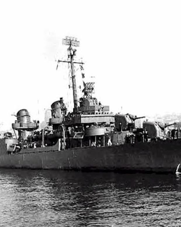 world-war-2-history-destroyer-uss-johnston-attacks-battleships-and-cruisers