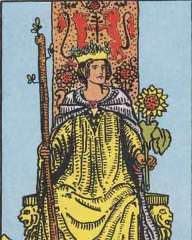 tarot-court-cards-the-queen-of-wands
