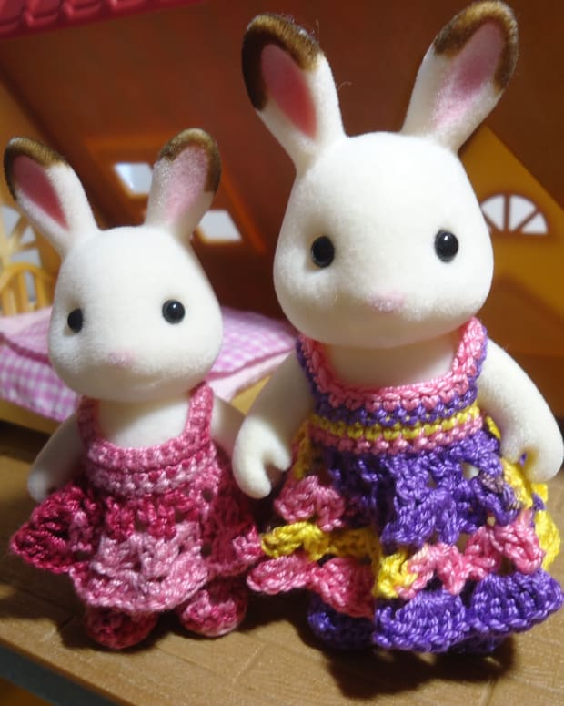 sylvanian-families-shell-stitched-dress-free-crochet-pattern