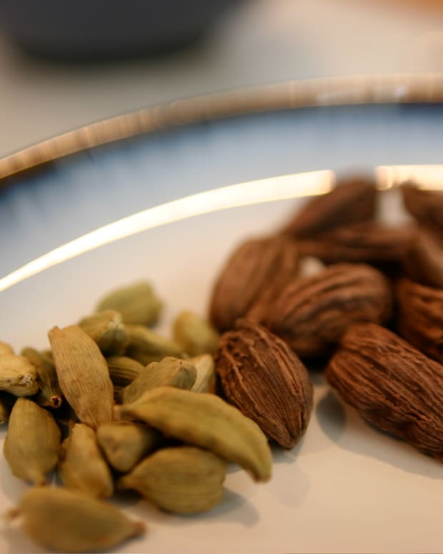 the-nutritional-and-health-benefits-of-cardamom