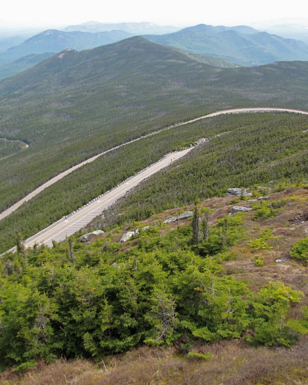 driving-the-veterans-memorial-highway-whiteface-mountain