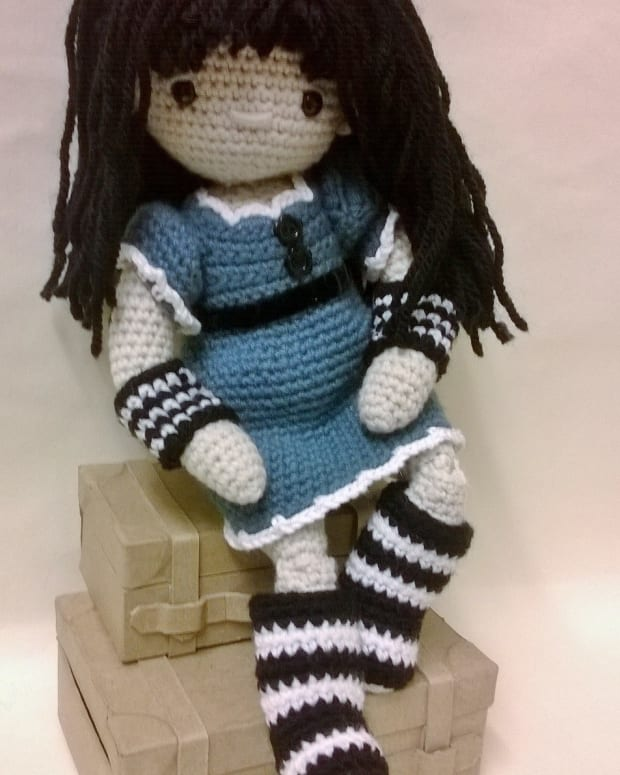 free-pattern-learn-to-crochet-a-doll