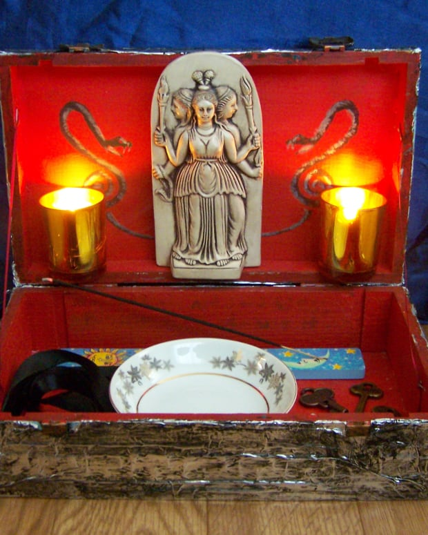 wicca-basics-creating-a-shrine