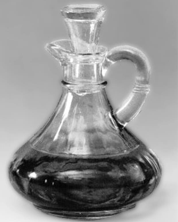 changes-in-cruet-styles-throughout-the-centuries