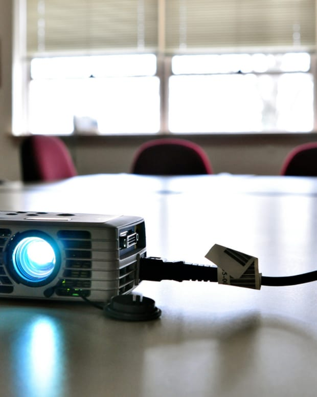 my-top-3-micro-projector-picks-cheap-wireless-and-high-definition