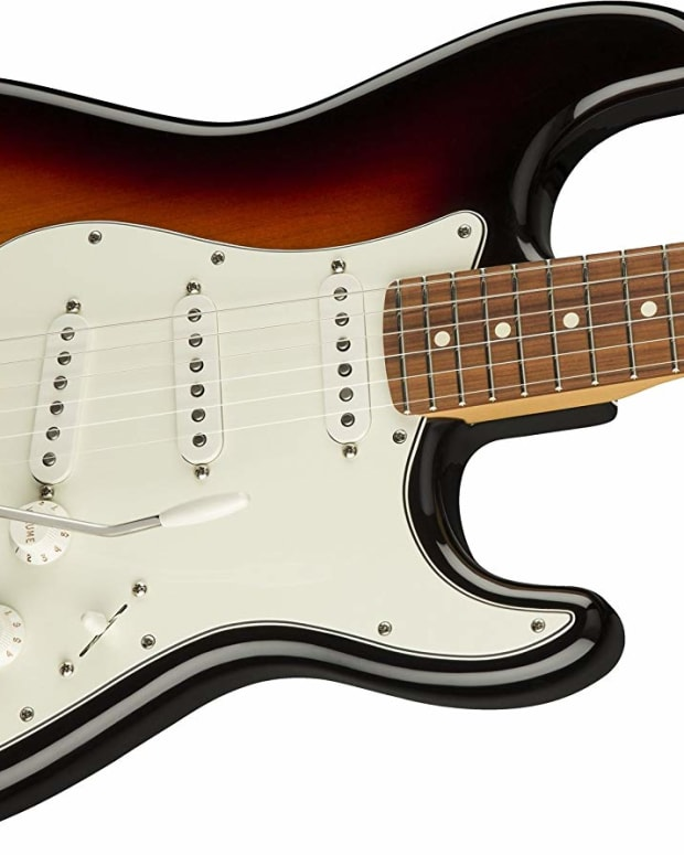 fender-mexican-strat-vs-american-stratocaster-guitar-review
