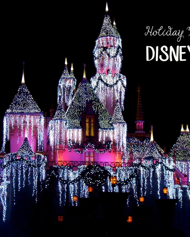 holiday-magic-at-disneyland