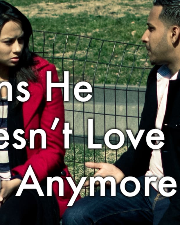 signs-that-he-doesnt-love-you-anymore-signs-your-boyfriend-doesnt-want-to-be-with-you-any-longer