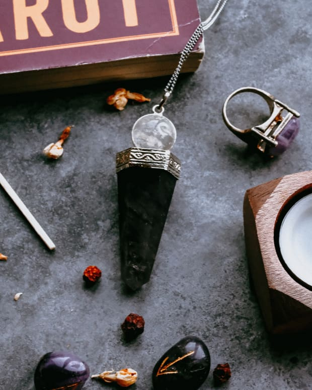 wicca-for-teens-finding-a-mentor-teacher-or-coven