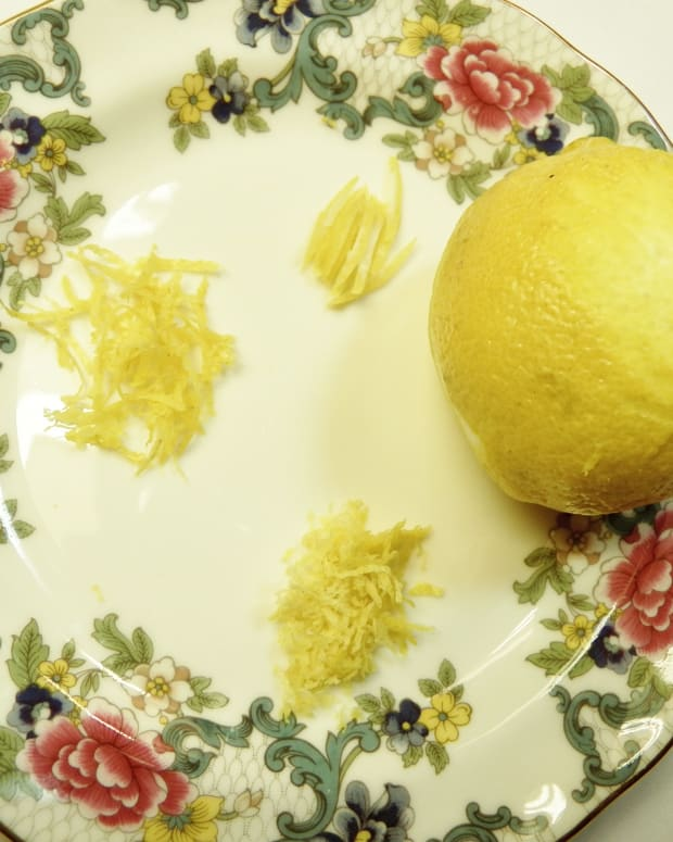zesting-lemons-without-a-zester