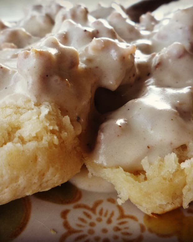 how-to-make-homemade-buttermilk-biscuits-and-local-indiana-sausage-gravy