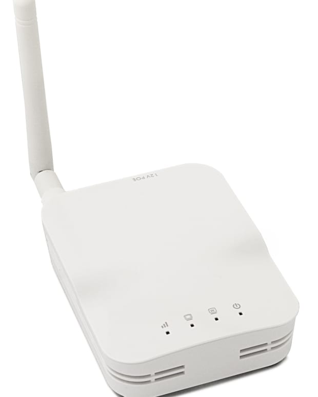 open-mesh-om2p-80211gn-wireless-mesh-wifi-mini-router