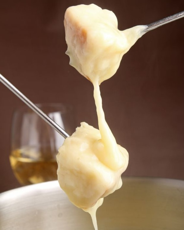 swiss-cheese-fondue-recipe