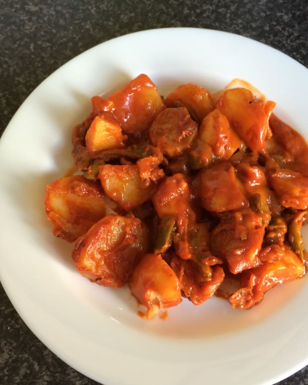 my-greek-grandmas-recipes-potatoes-in-tomato-sauce