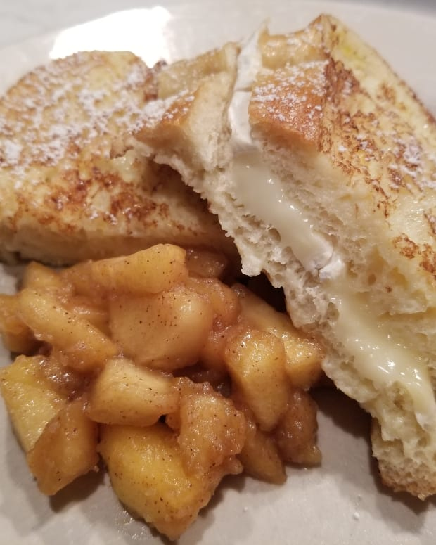 french-toast-stuffed-with-brie