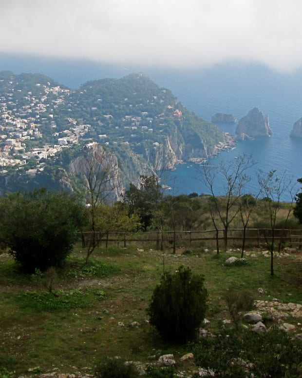 capri-travel-guide-mount-solaro-chair-lift