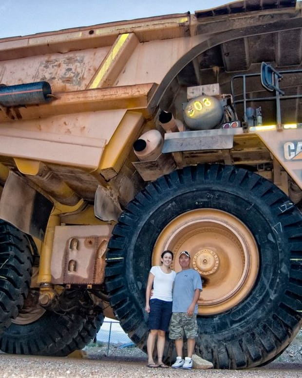 what-is-the-largest-vehicle-in-the-world-5-monstrously-massive-machines