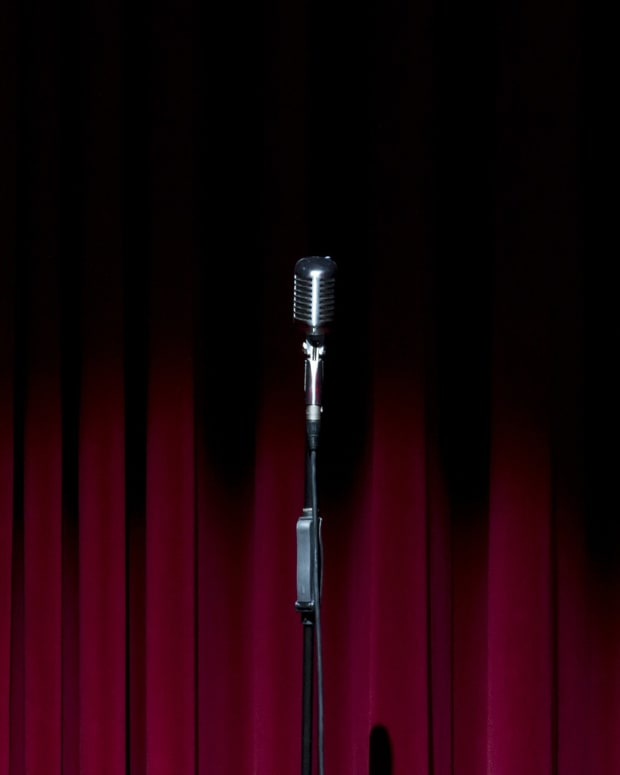 stand-up-for-mental-health-provides-comedic-relief-for-mental-health-consumers