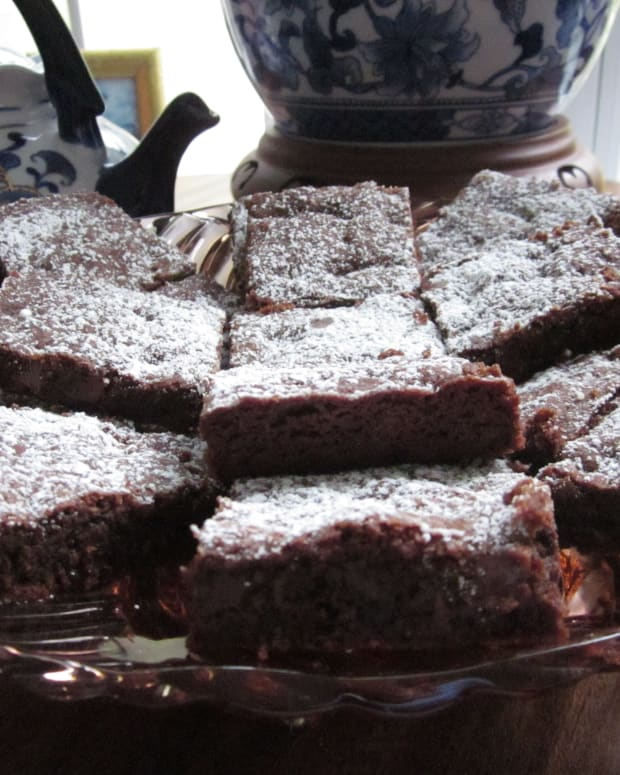 cocoa-brownies-with-chocolate-chips