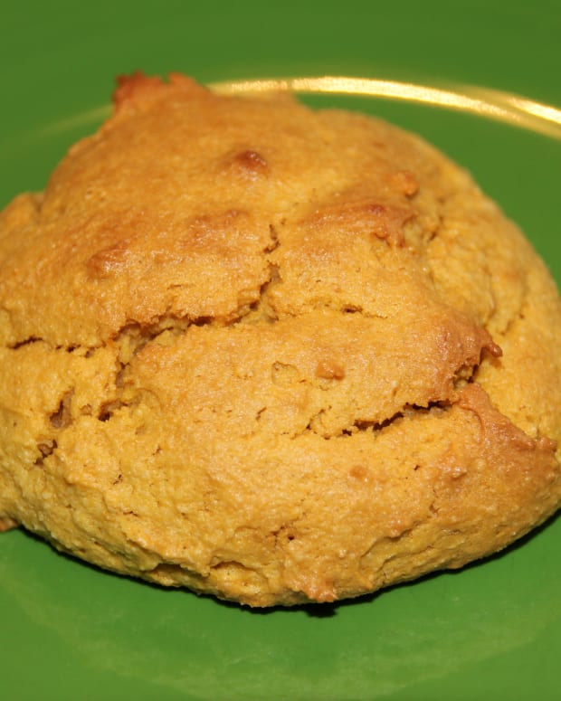 paleo-sweet-potato-biscuits-with-almond-flour-and-coconut-oil